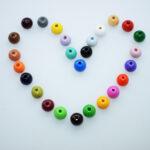 Holzperlen rund, 10mm, 56 St., schweiss- und speichelfest, verschiedene Farben