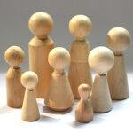 Figurenkegel aus Holz, verschiedene Formen und Größen