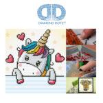 """Diamond Dotz Motiv """"Verliebtes Einhorn"""", funkelndes Diamantbild zum Selbstgestalten ca. 23 x 23 cm groß, Malen mit Diamanten"""