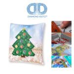 """Diamond Dotz Kissenbezug Motiv """"Weihnachtsbaum"""", funkelndes Kissen zum Selbstgestalten ca. 18 cm x 18 cm groß, Malen mit Diamanten"""